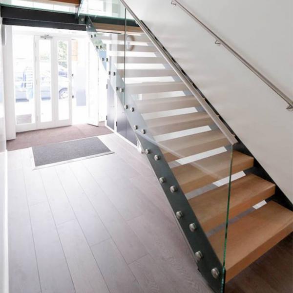 European Customized Open Riser Zig Zag Beam Wood Straight Staircase